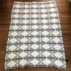 URBAN OUTFITTERS Black and White Geo Throw Blanket